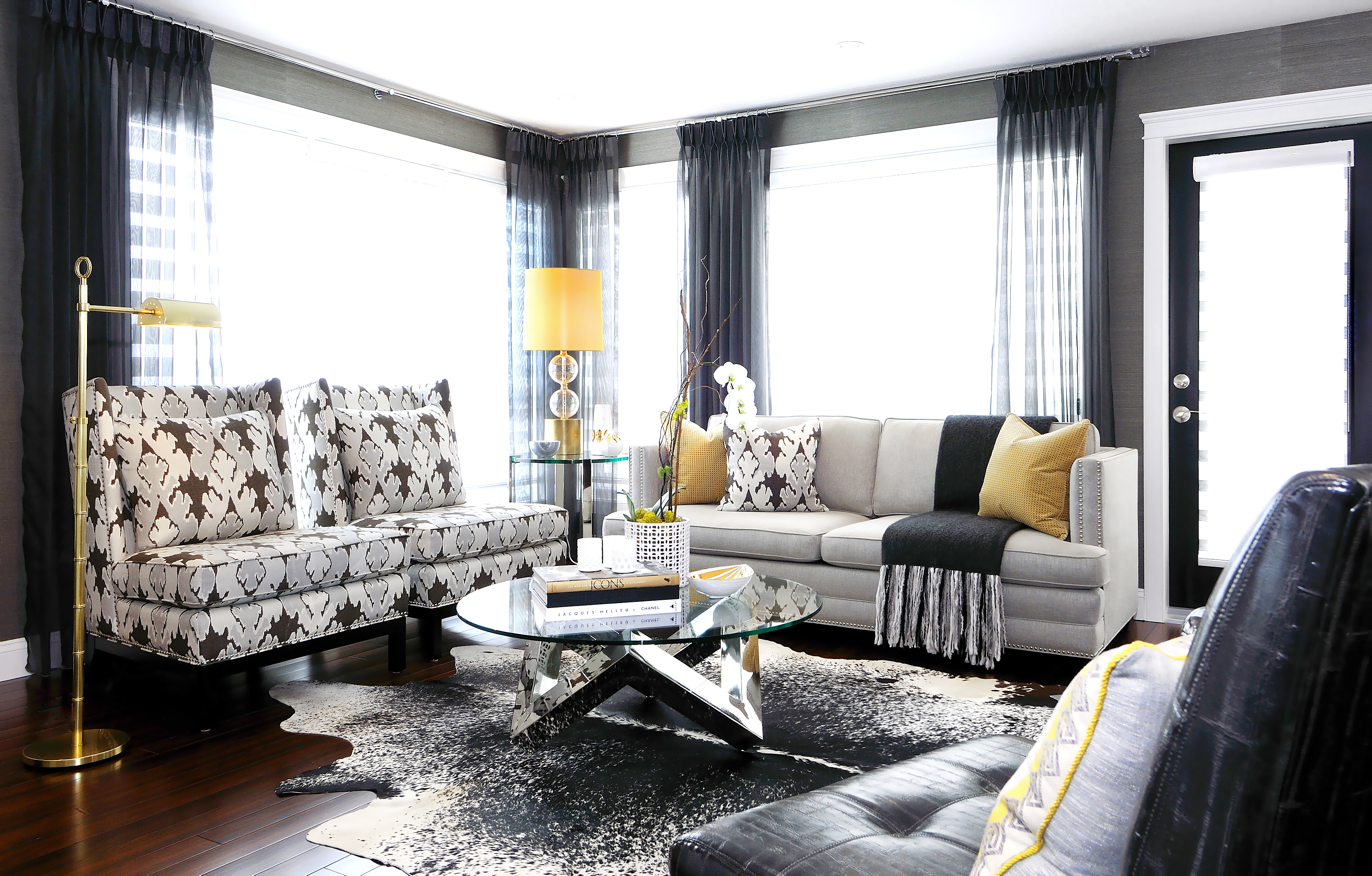 The atmosphere how to finish off a room atmosphere for Black grey interior design